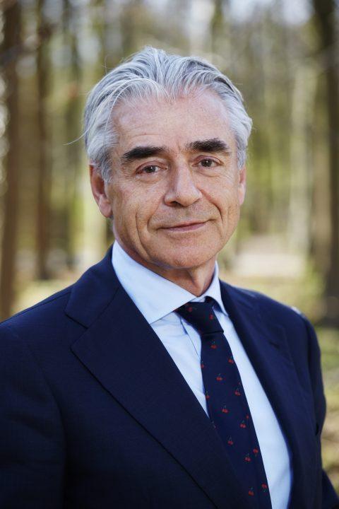 prof. dr. E.J.J. (Hans) Schenk, kroonlid van de SER, foto door Christiaan Krouwels