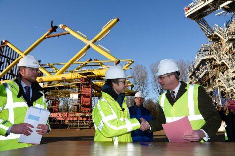 Wiebes kent vergunning eerste subsidieloos windpark toe (foto Mischa Keijser/RVO)