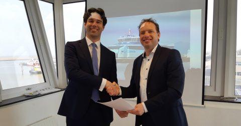 Ondertekening LNG-contract op kantoor van Doeksen op 2 april 2019 - l